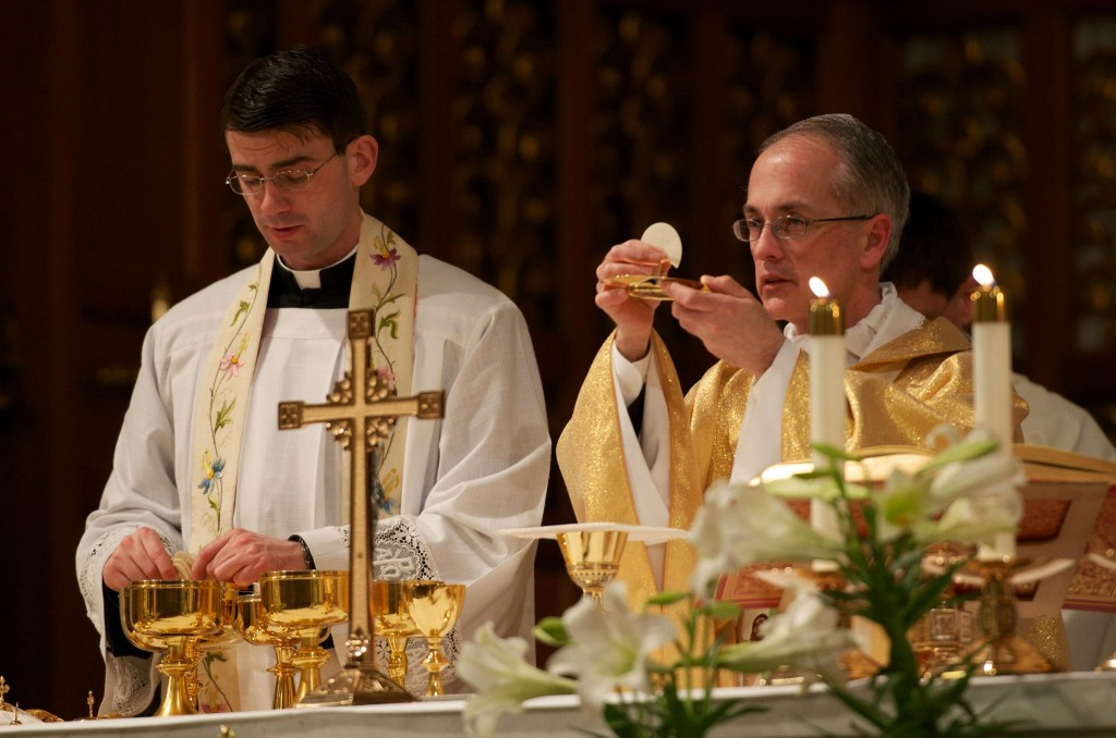 Fr. Shell and Fr. Huffman celebrating mass